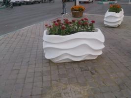 تولید انواع گلدان های فایبرگلاس شهری و خانگی